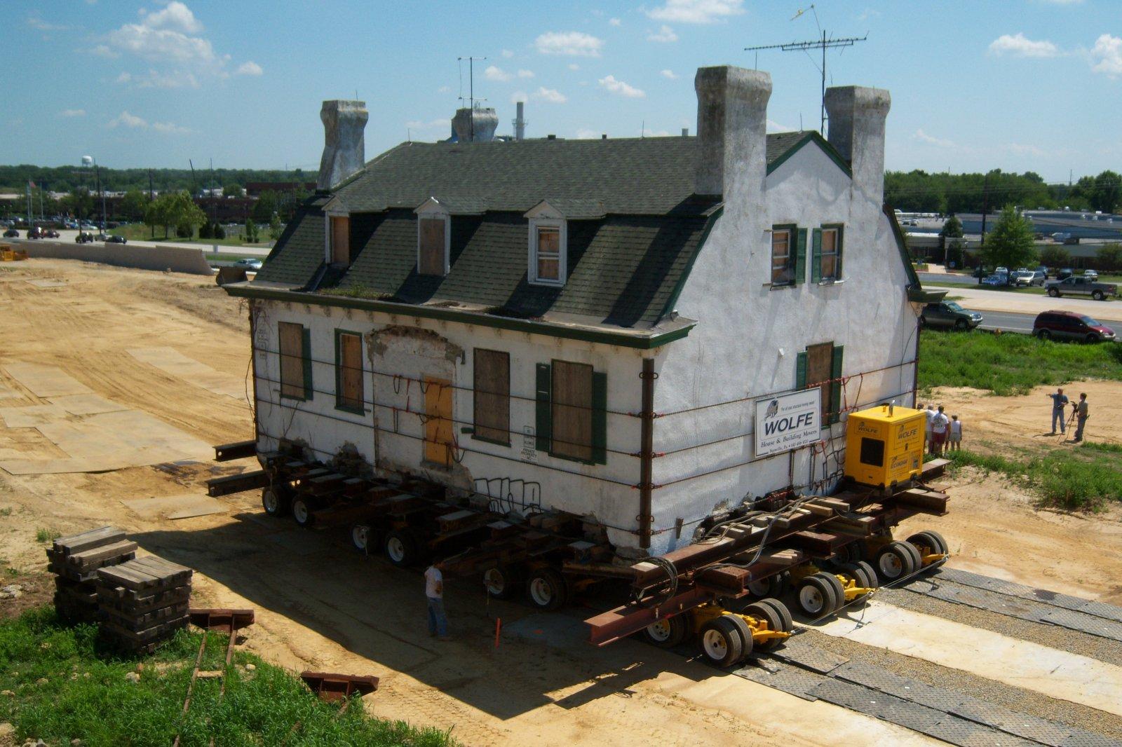 hydrolic_dollies_relocate_house_in_newark_delaware